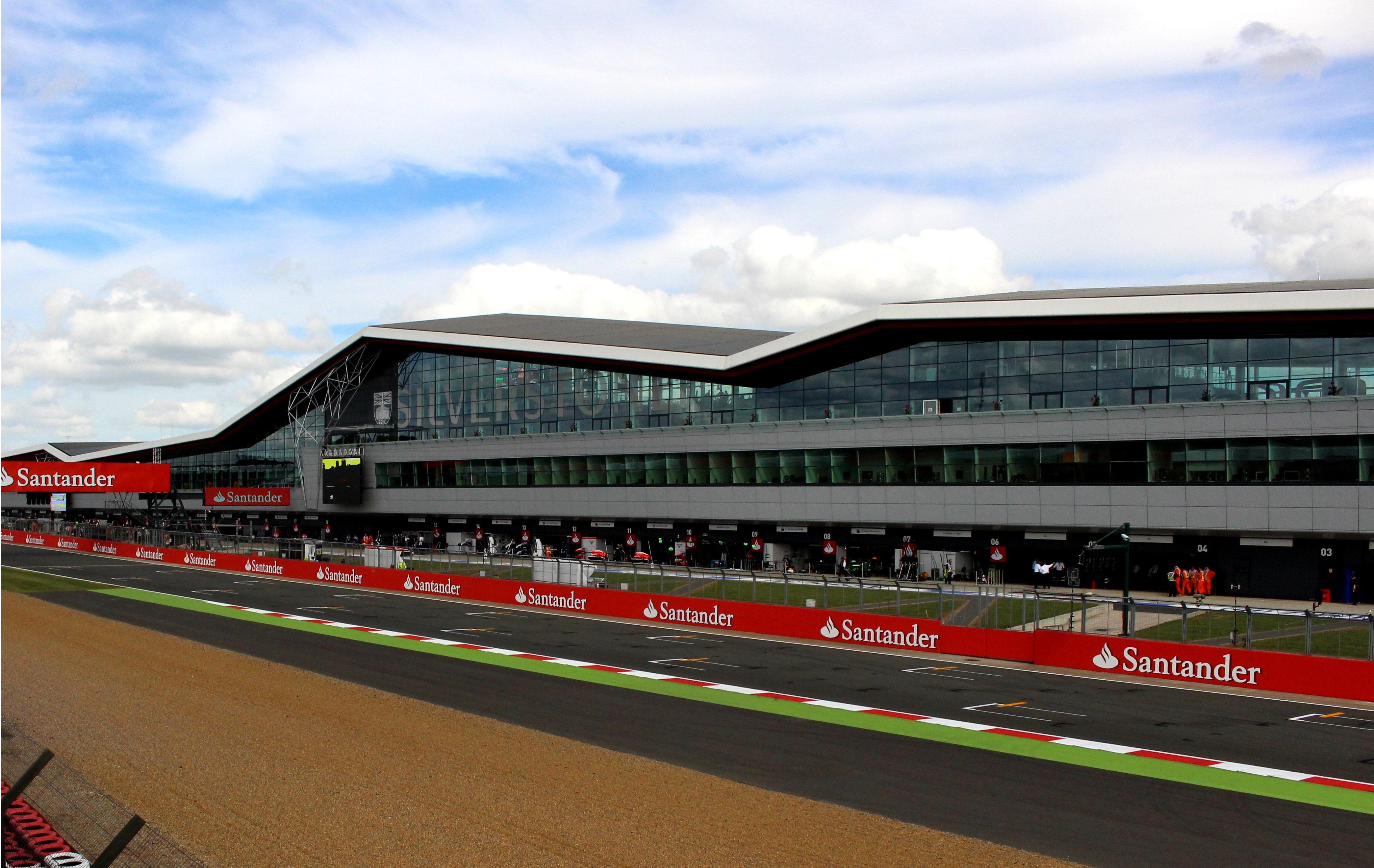 Silverstone Motor Circuit: Silverstone Heritage Live